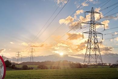 Yer Altı Ve Yer Üstü Enerji İletim Hatları